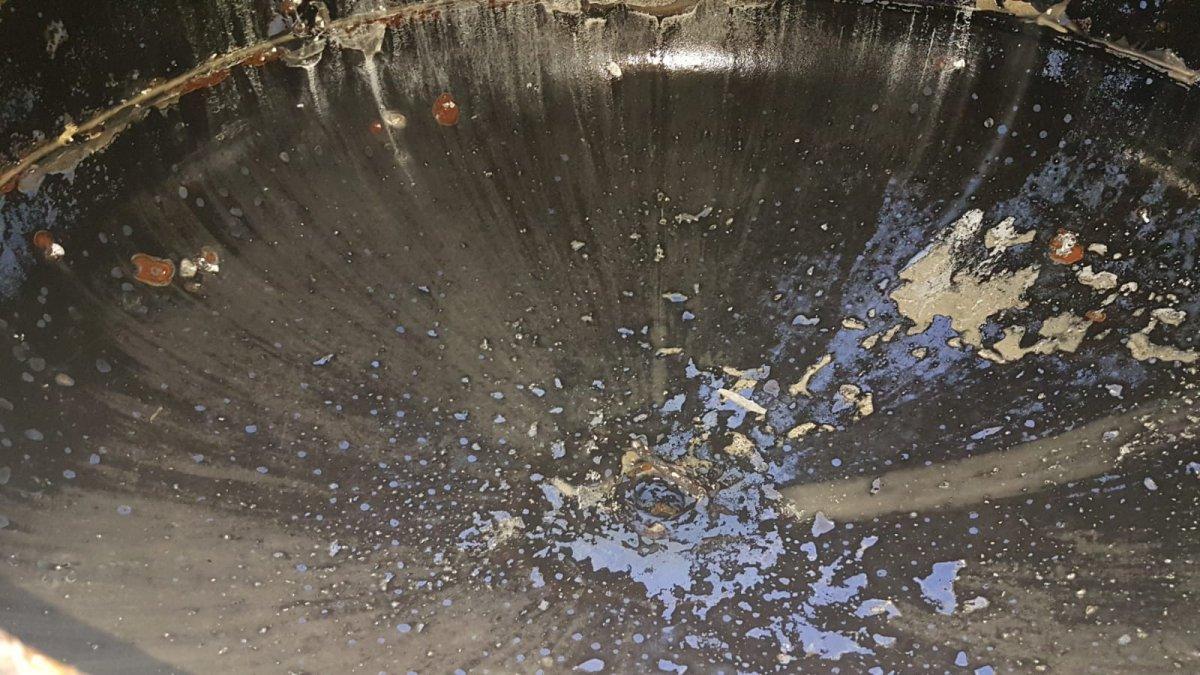 limpieza de acumuladores de agua caliente sanitaria para el control de legionella en malaga